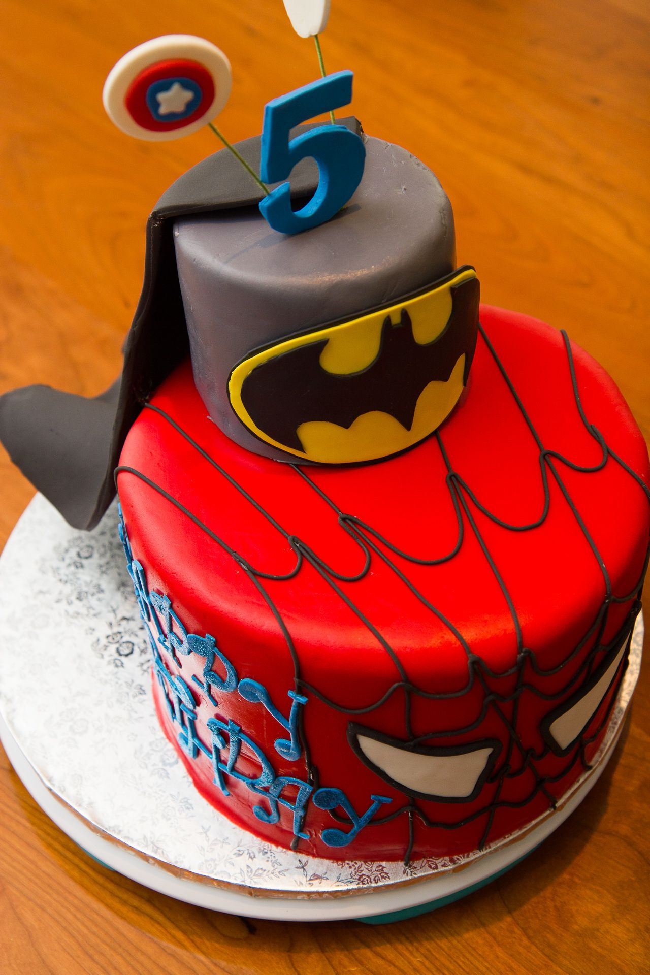 coloring pages batman spiderman cakes - photo#35