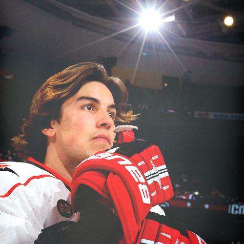 Justin Faulk S Flow 3 Hockey Hair Hot Hockey Players Carolina Hurricanes