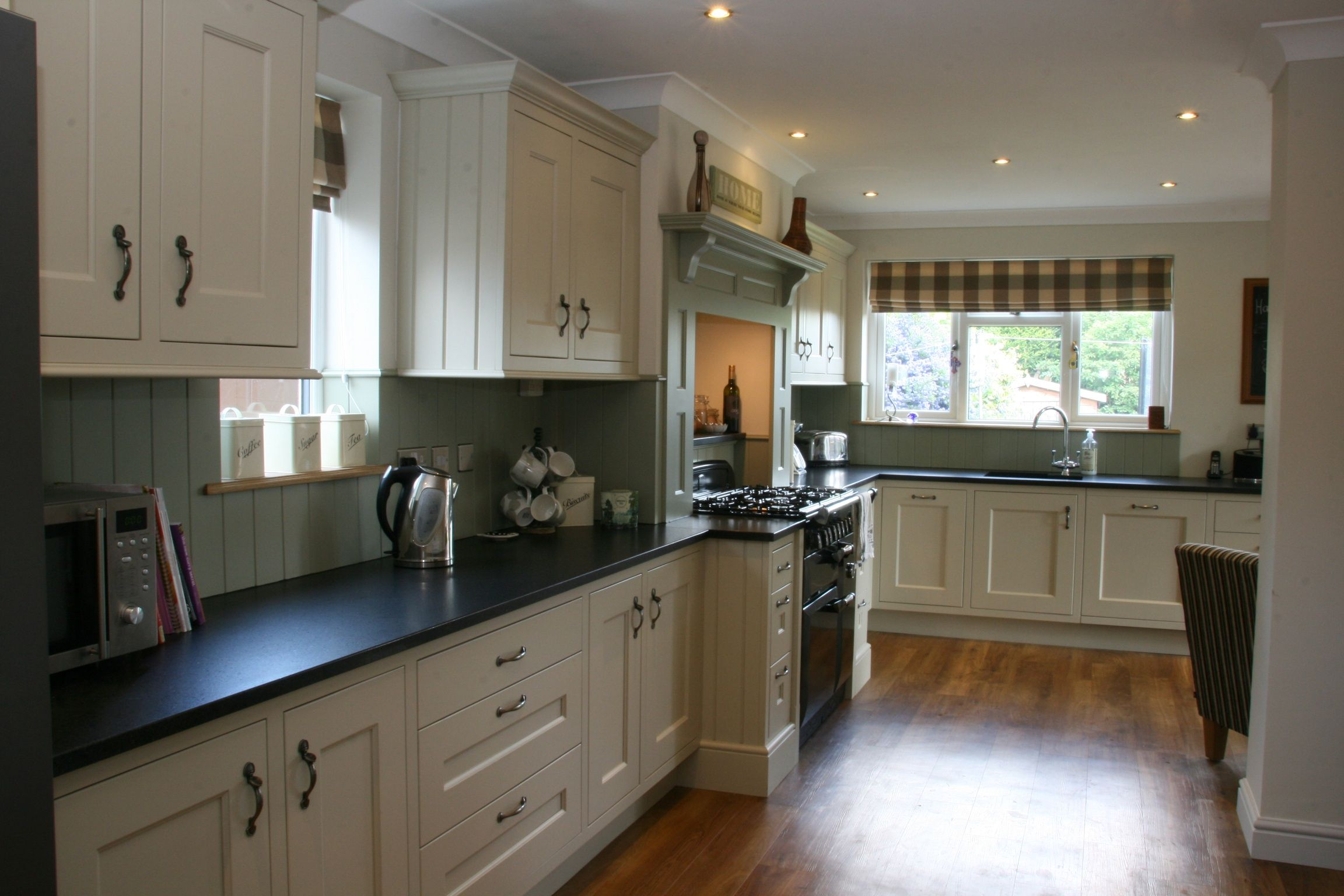 Another example of a painted shaker inframe kitchen with decorative over mantle