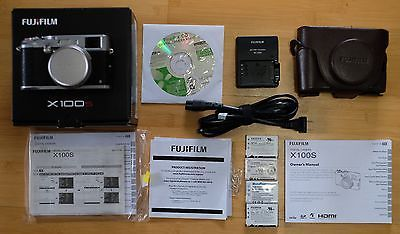 Fujifilm X100S 16.3MP Digital Camera - Silver - free ship - 2 new batteries https://t.co/7RcsmF8b9D https://t.co/dTiHAMaTxQ