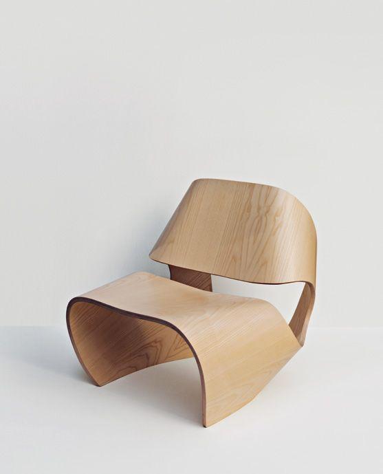 Incroyable chaiseruban en bois courbé moulé // Molded plywood chair