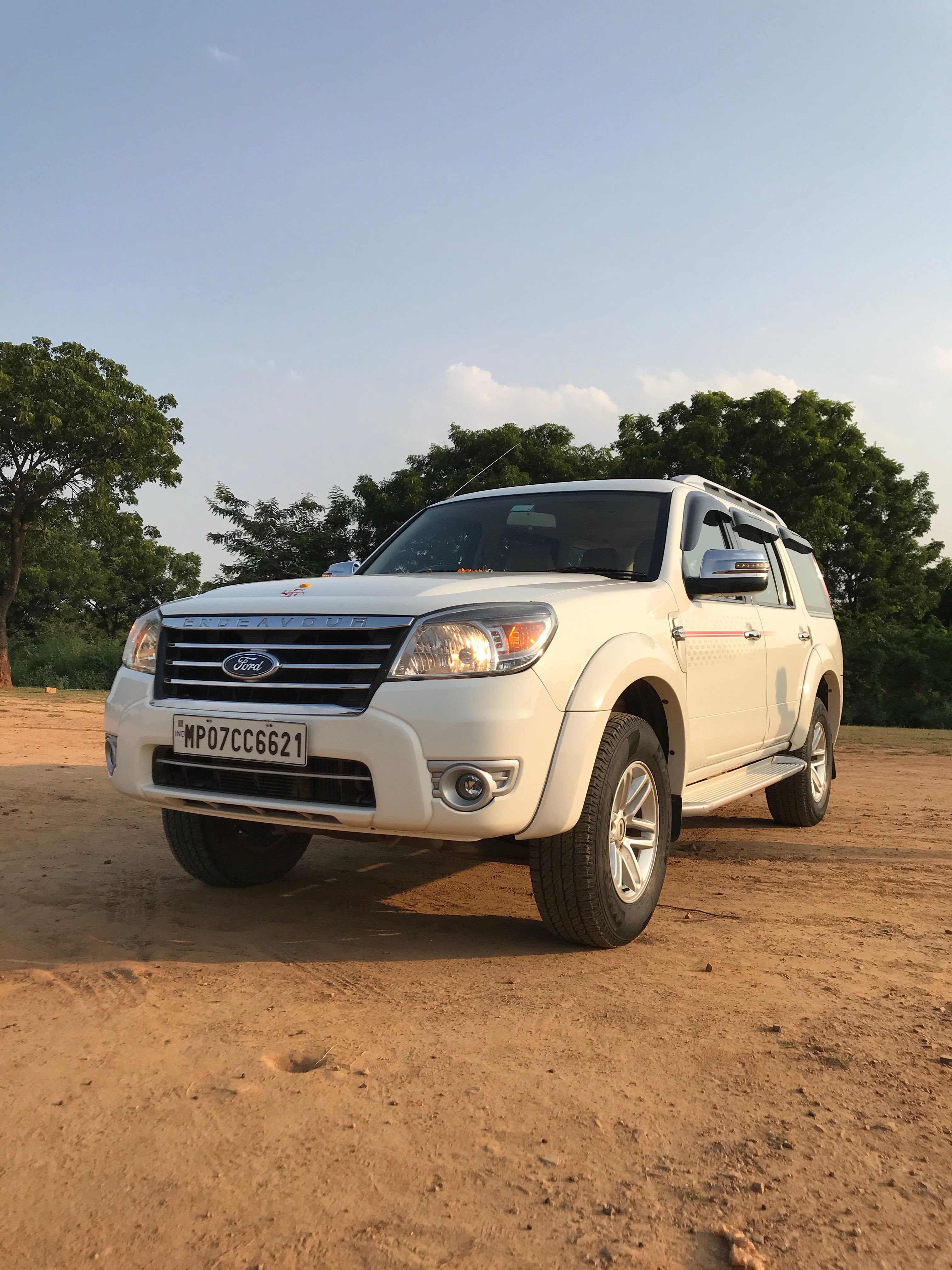 Ford Endeavour 4x4 5 Speed Automatic 2011 Real Life Review