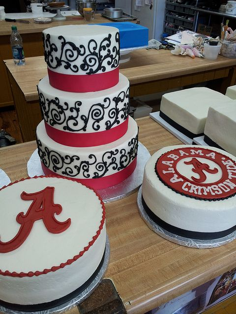 Alabama Crimson Tide Grooms Cakes With Images Alabama Grooms
