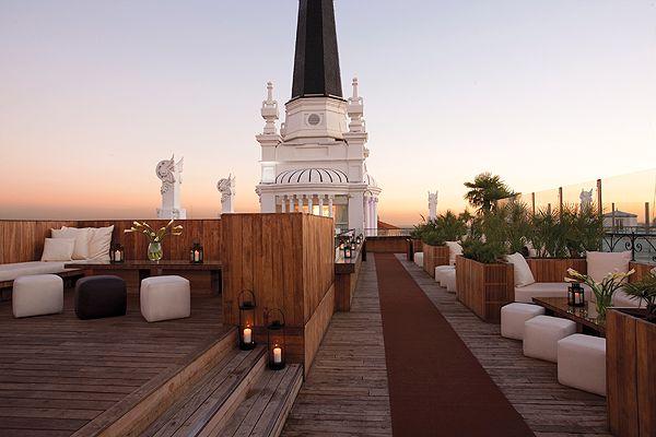 The Roof Hotel Me Reina Victoria En Madrid Bar De Copas