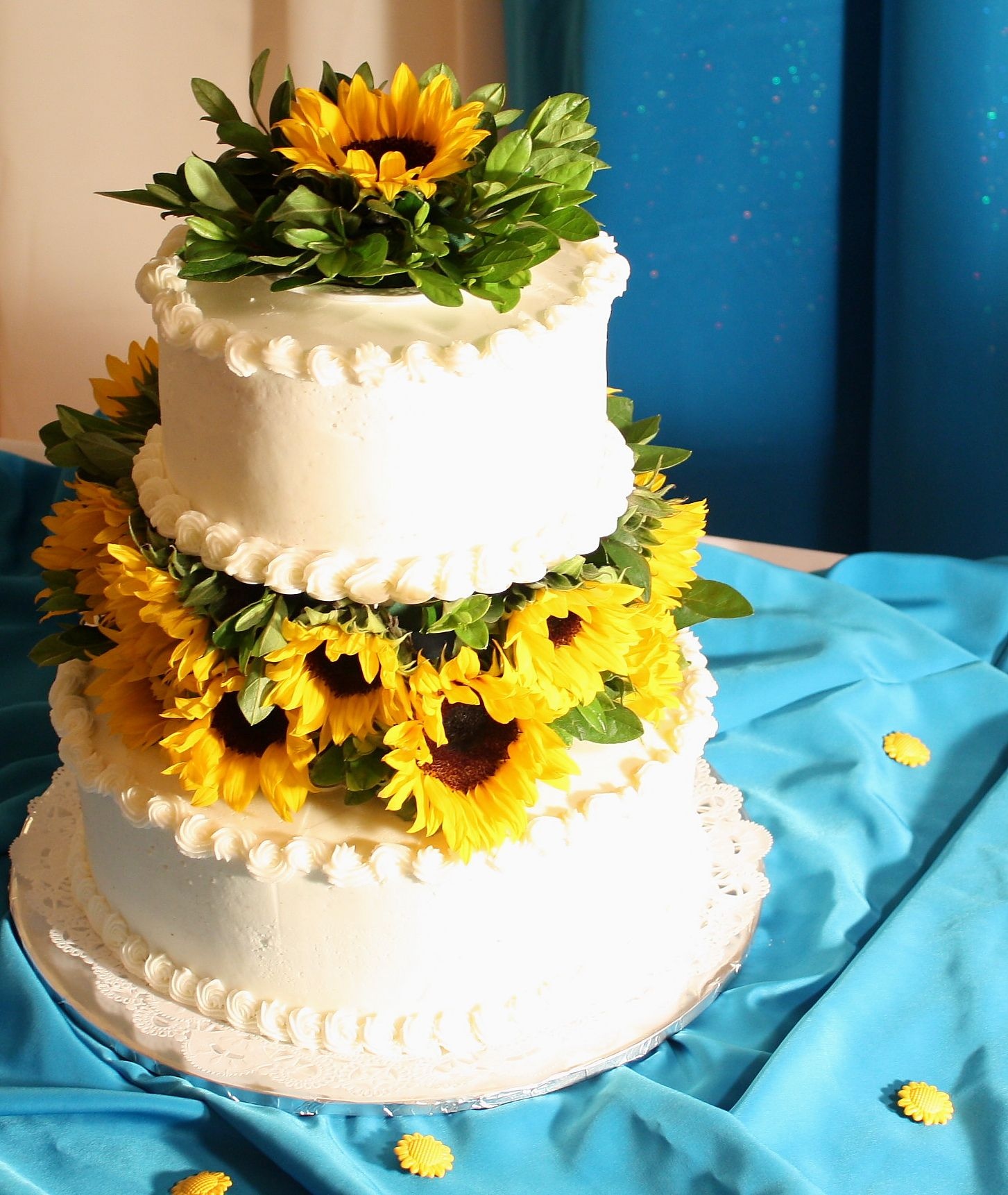Sunflower Wedding Cake Ideas: Daisy & Sunflower Cakes