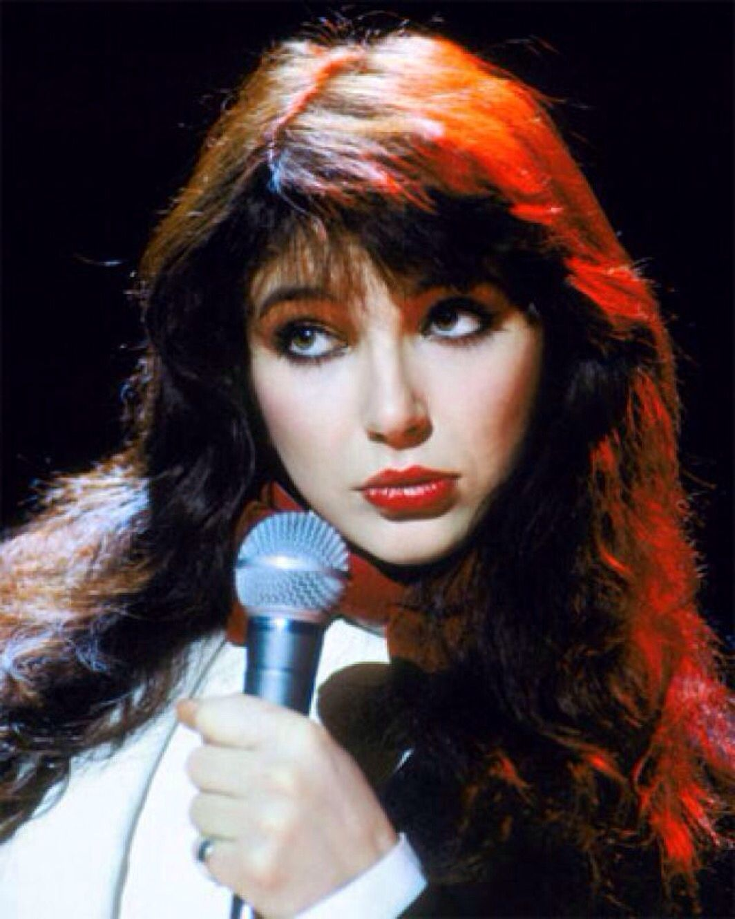 Wow!..Wow!..Wow! Unbelievable! The beautiful Kate Bush