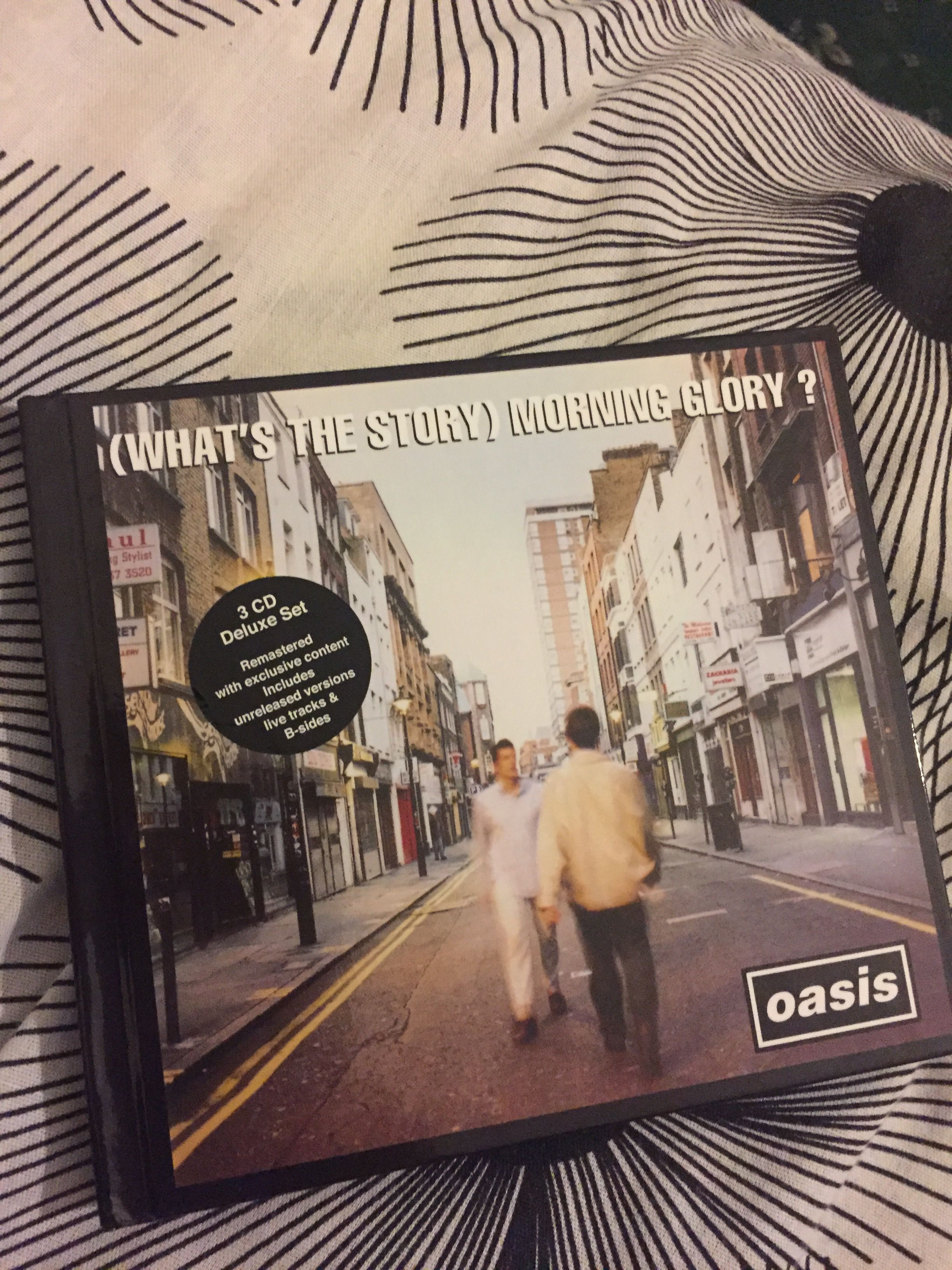 Oasis - (What's the Story) Morning Glory? Deluxe Edition on CD | My