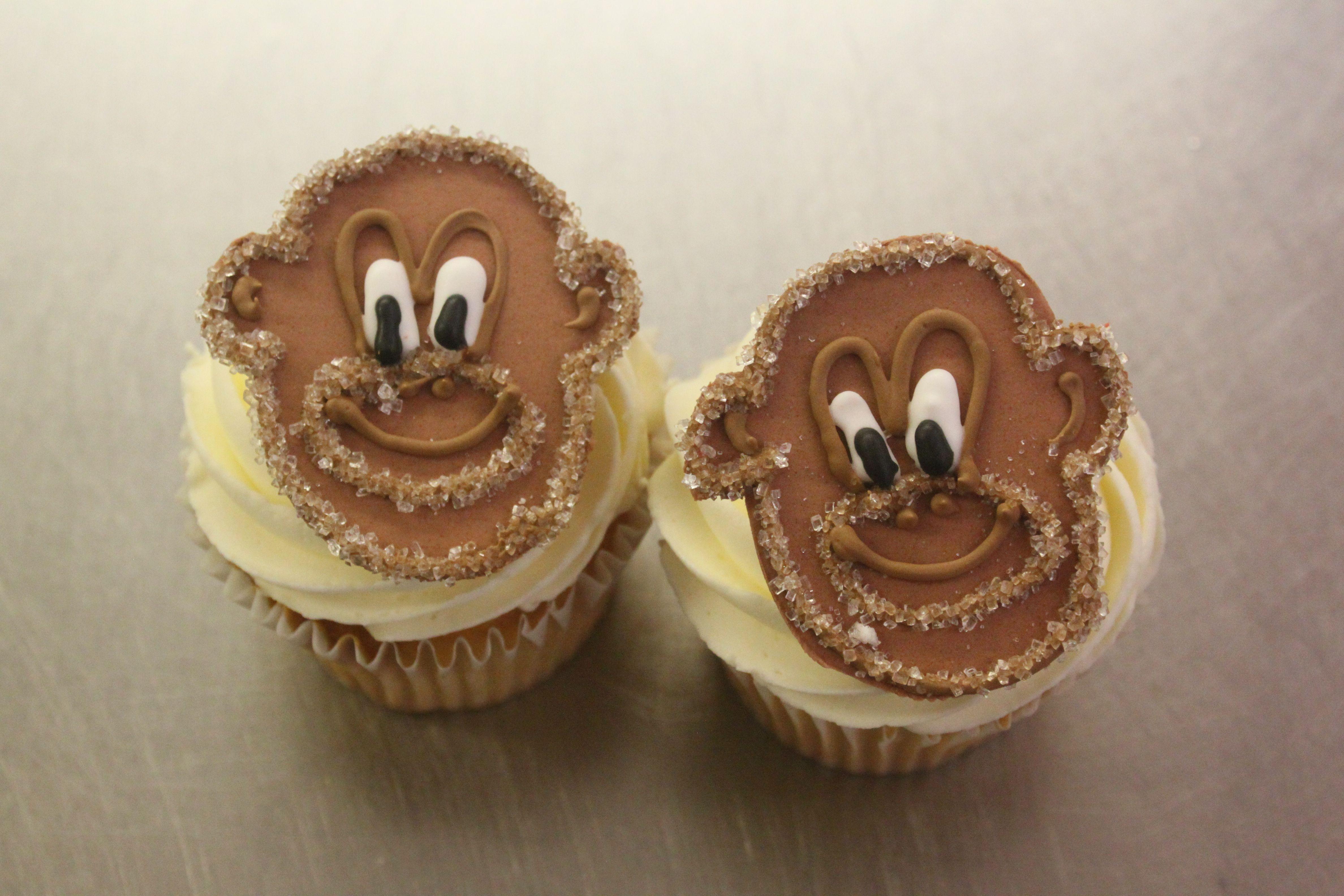 Monkey faces= cute! | Fun cupcakes, Yummy food, Food