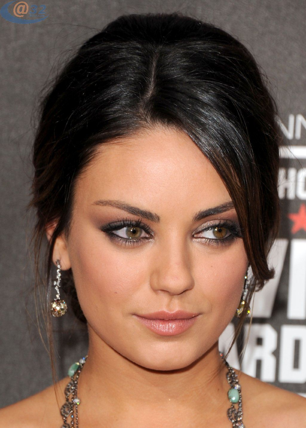 mila kunis defines the word cute | makeup for hazel eyes