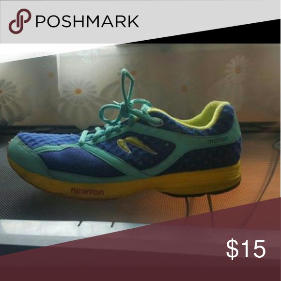 Women's tennis shoes Blue tennis shoes. Size 8.5 Nike Shoes Athletic Shoes