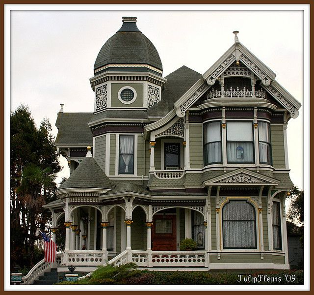 One Of The Most Perfect Looking Houses I Ve Ever Seen One Of Alameda S Victorian Era Architecture Victorian Homes Victorian Style Homes House Styles