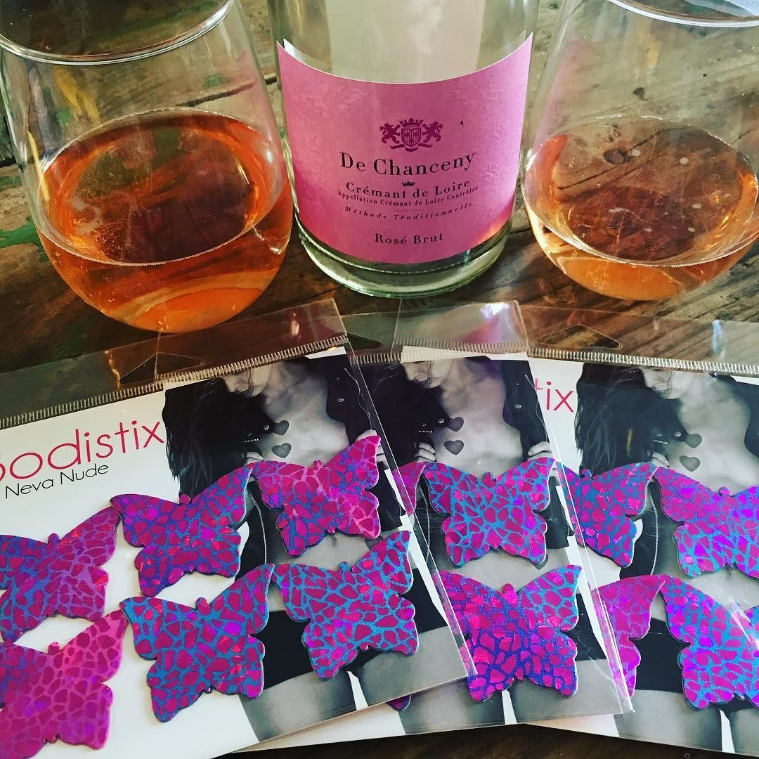 Happy Friday everyone!!     #workworkwork #pasties #bodistix #girlboss #pink #girlie #bubbles #wine #champagne #poppinbottles #dechanceny #wholefoods #weekend #friday #butterfly #instagood #instahappy #cocktails #imwithher