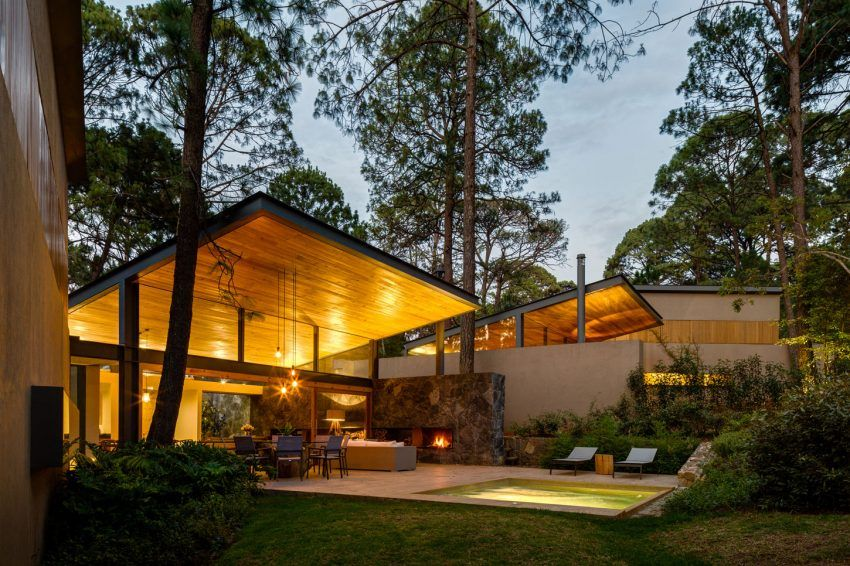 Weber Arquitectos Design A Home Surrounded By Forests In