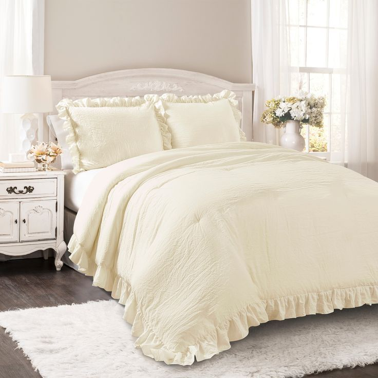 Photo of Ivory Reyna Comforter Set