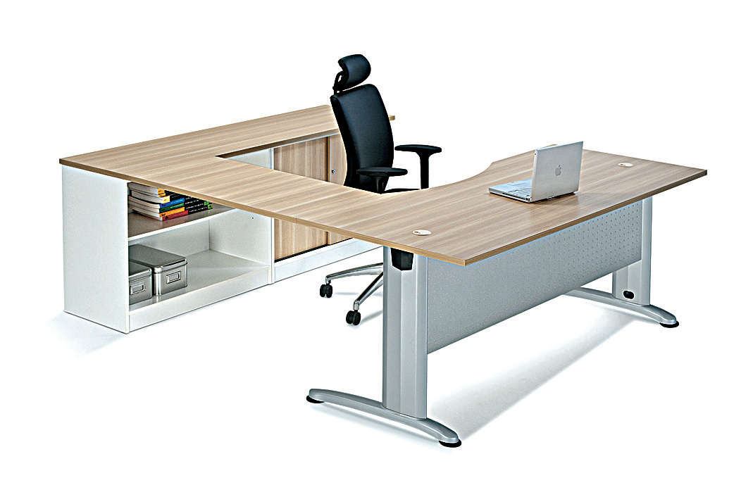 B-series executive range reflects a fusion of elegance, upscale design with the individuality and practical features. Curvilinear work-surfaces and storage components support the flow of people in your office and help you work more comfortably and productively.
