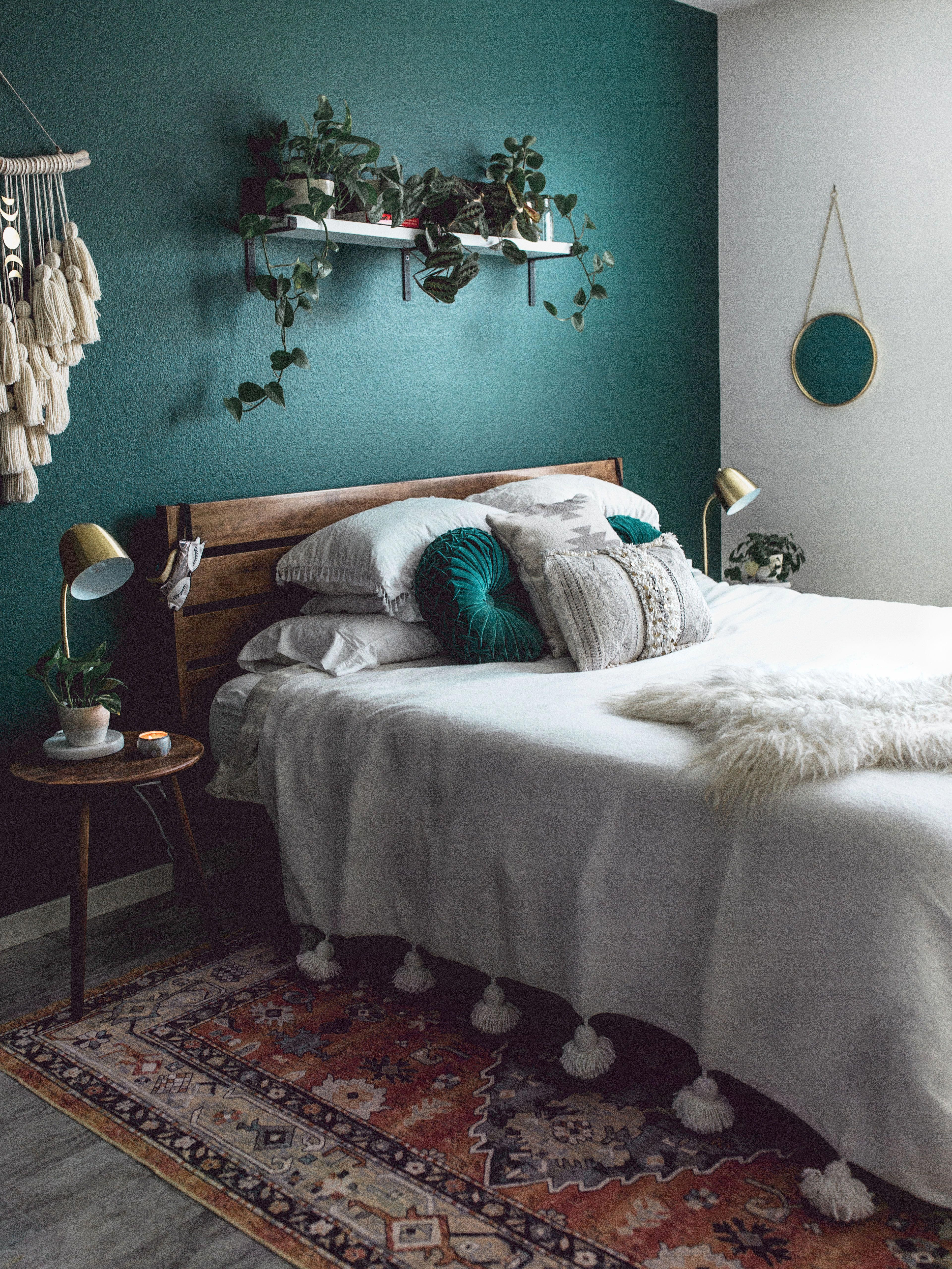Mid Century Modern Decor - Dark forest green walls contrasted by white details and lots of texture!   #midcentury  #bohemian #bedroom #macrame #darkwall #KidsPlayroomDecor