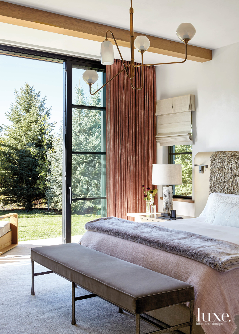Perfect Harmony An Aspen Home Mixes Modern Minimalism With Maximal Warmth Luxe Interiors Design In 2020 Home Bedroom Design Chic Interior Design Interior Work
