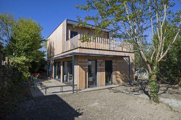 Bien-aimé Une maison modulaire en bois | Maisons modulaires, Modulaire et  WG88