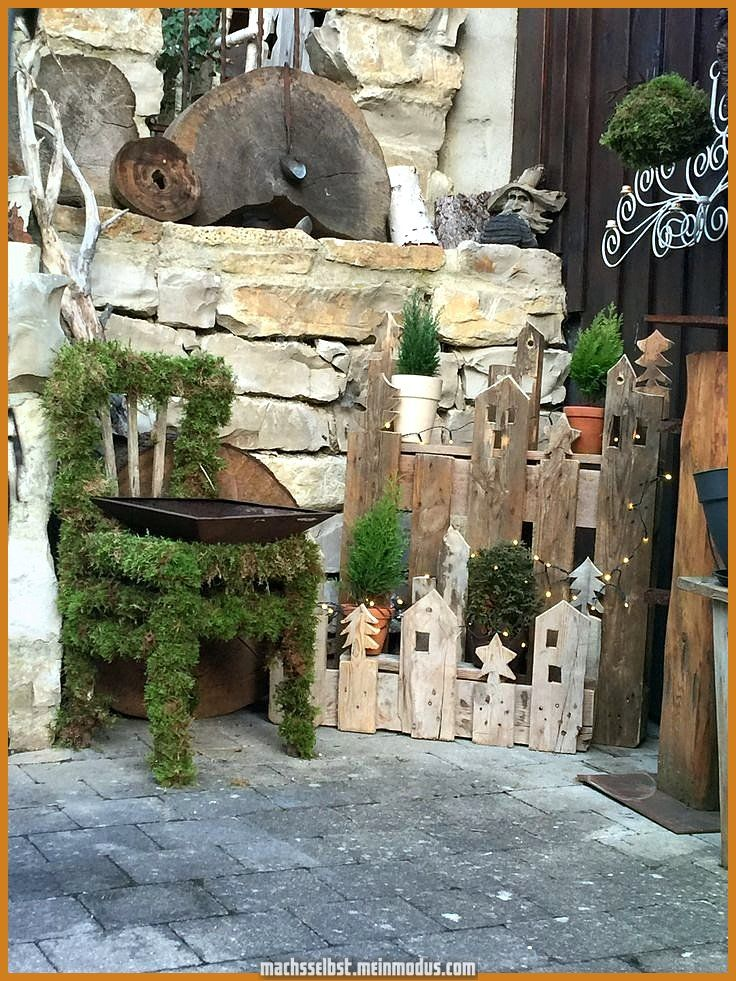 Kreative und Großartige #Winterdeko #BalkonundGarten #Paletten #Hausingang # Weihnachtsdekora... #winterdekodraussen