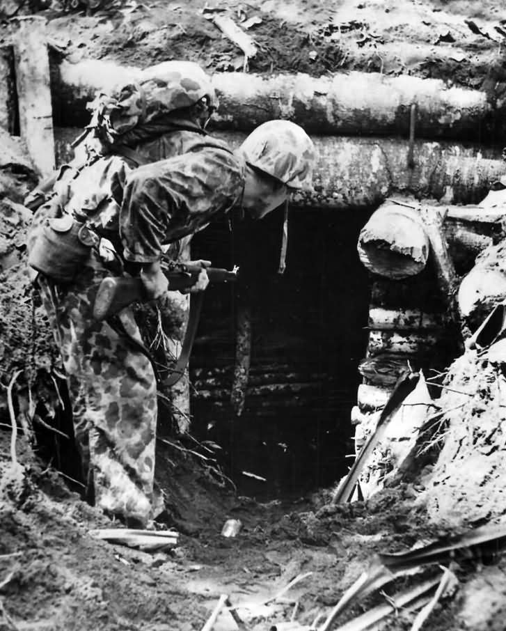964a4c8ff Marines Searches Japanese Pillbox on Bougainville 1943 | WW2 USMC ...