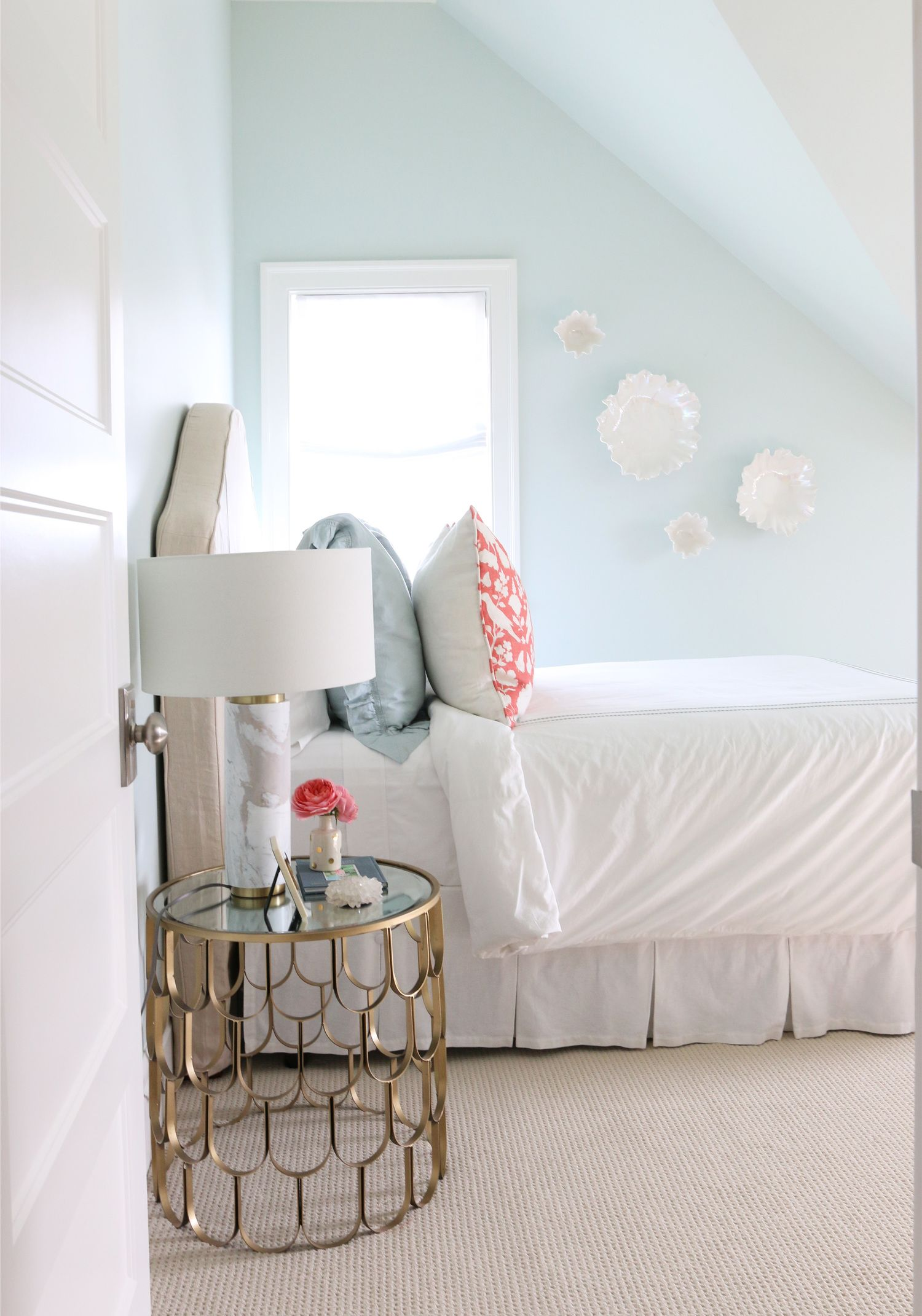 Fabulous The Midway House Blue And Coral Guest Room Download Free Architecture Designs Scobabritishbridgeorg