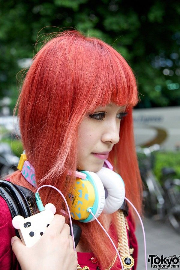 Orange-Haired Girl's Murua Fashion & Tassel Necklace In