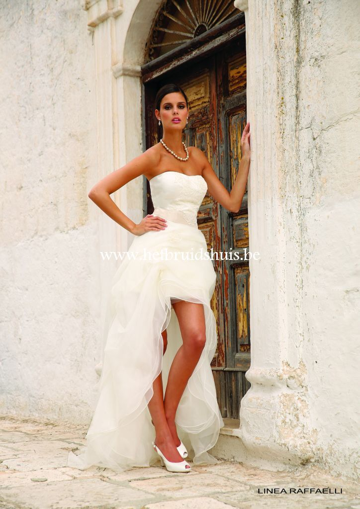 My ideal weddingdress ! -expect that it's too short haha-