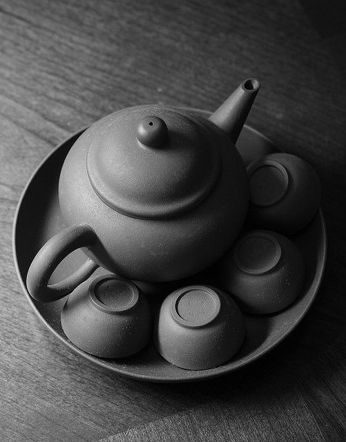 A quiet moment with a Chinese tea pot set