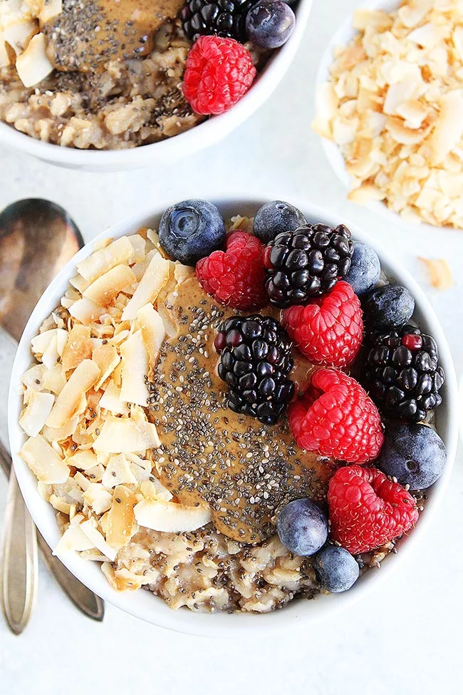 Oatmeal Breakfast Bowls You Will Love These Satisfying Oatmeal Bowls That Are Loaded With Delicious To Breakfast Bowls Perfect Oatmeal Recipe Oatmeal Breakfast