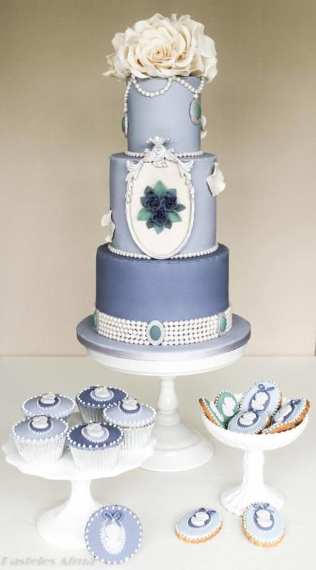 Shabby Chic blue wedding Cake