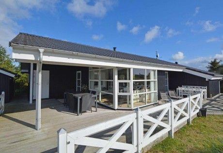 Modernes Ferienhaus für 6 Personen mit Whirlpool Esmark