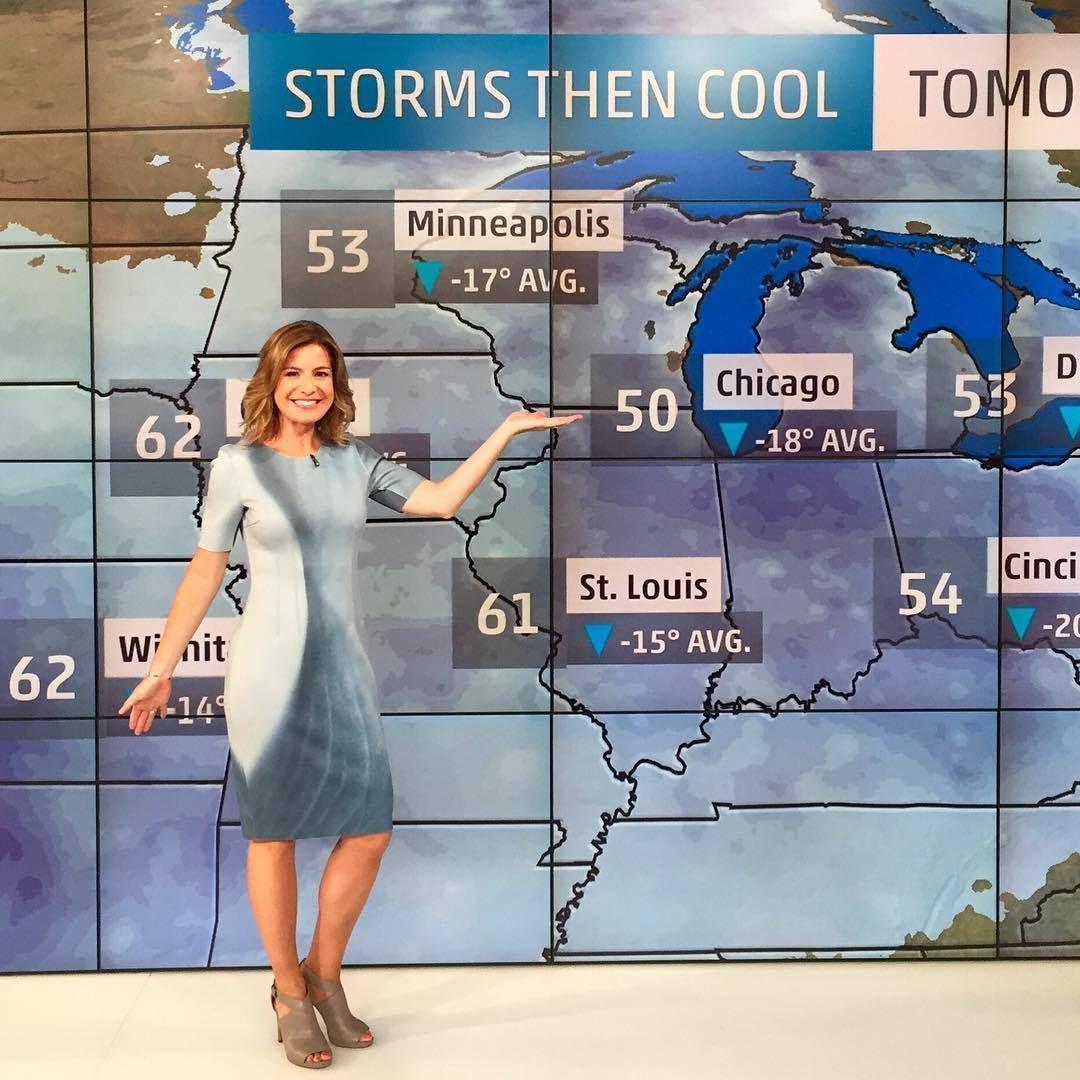 hot jen carfagno forecasting weather on  u0026 39 america u0026 39 s morning