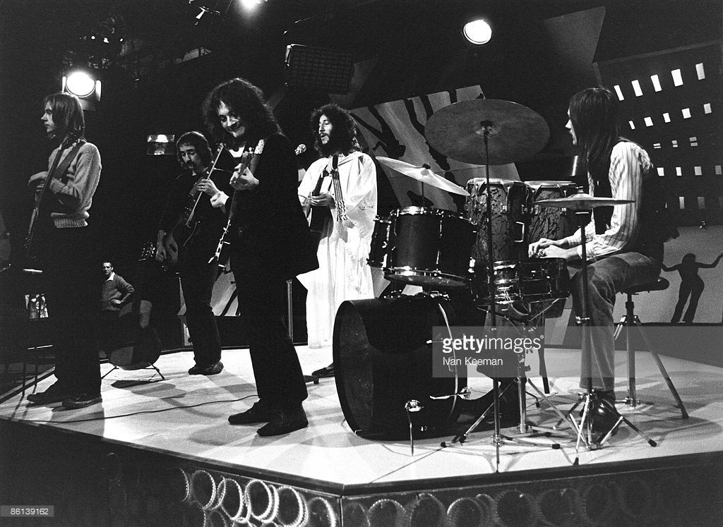 Danny Kirwan, John McVie, Jeremy Spencer, Peter Green, Mick Fleetwood performing on TV Show