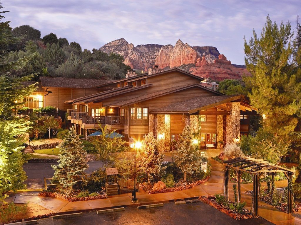 L Auberge De Sedona Is A Small Hotel With Few Cabins On The Edge Of Oak Creek Has Most Beautiful Sunsets And Grand Canyon Only About
