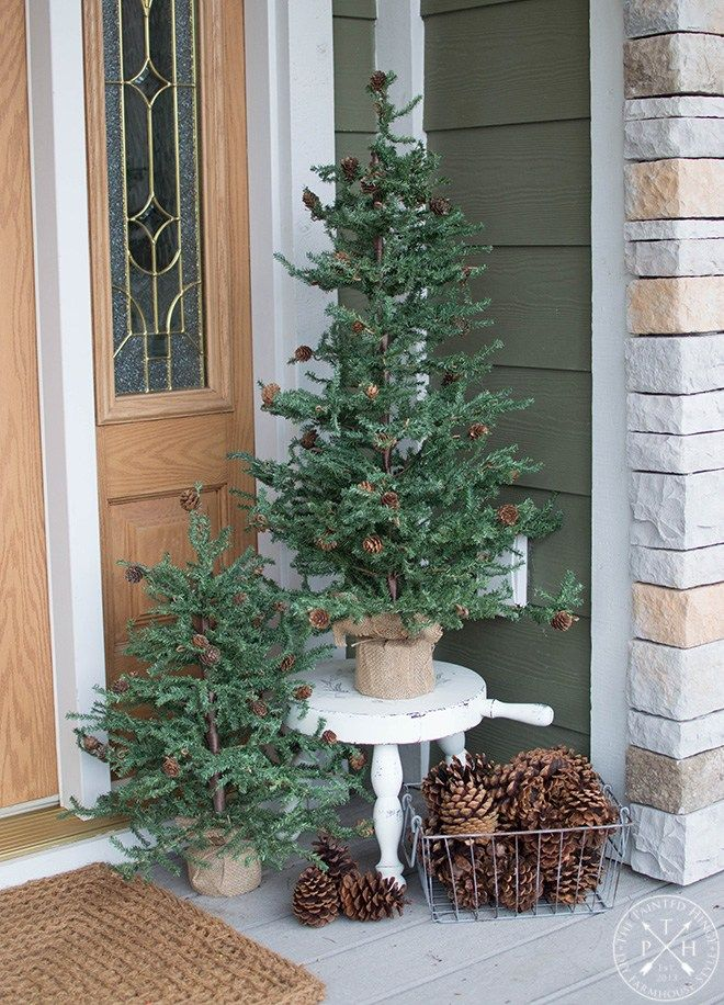 My Christmas Front Porch for 2018 #smallporchdecorating