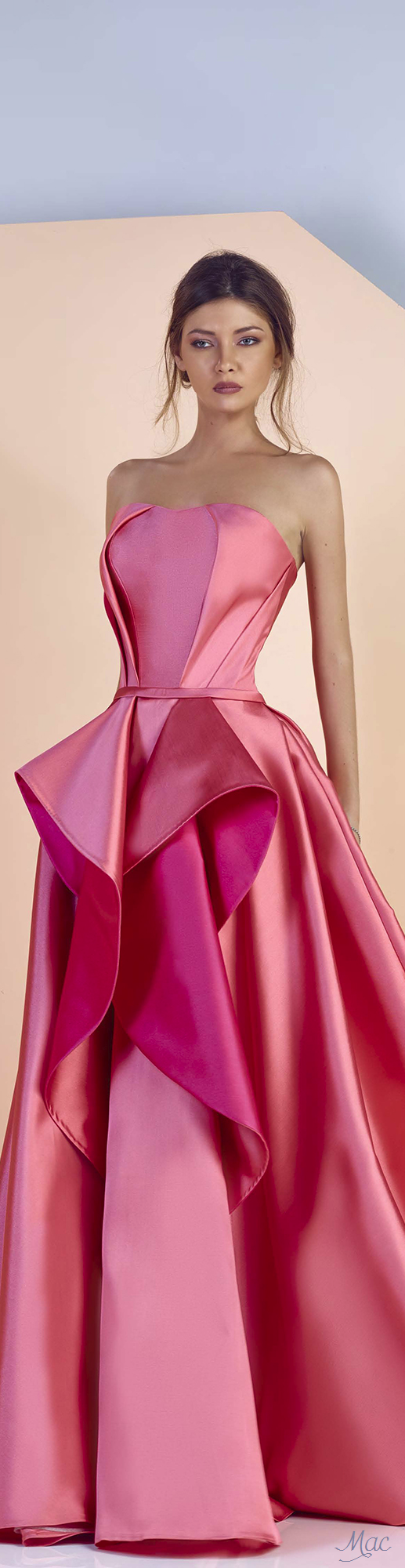 Spring 2017 Ready-to-Wear Divina by Edward Arsouni | Dresses ...