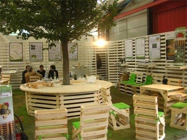 39 outdoor pallet furniture ideas and diy projects for your patio - Garden Ideas With Pallets
