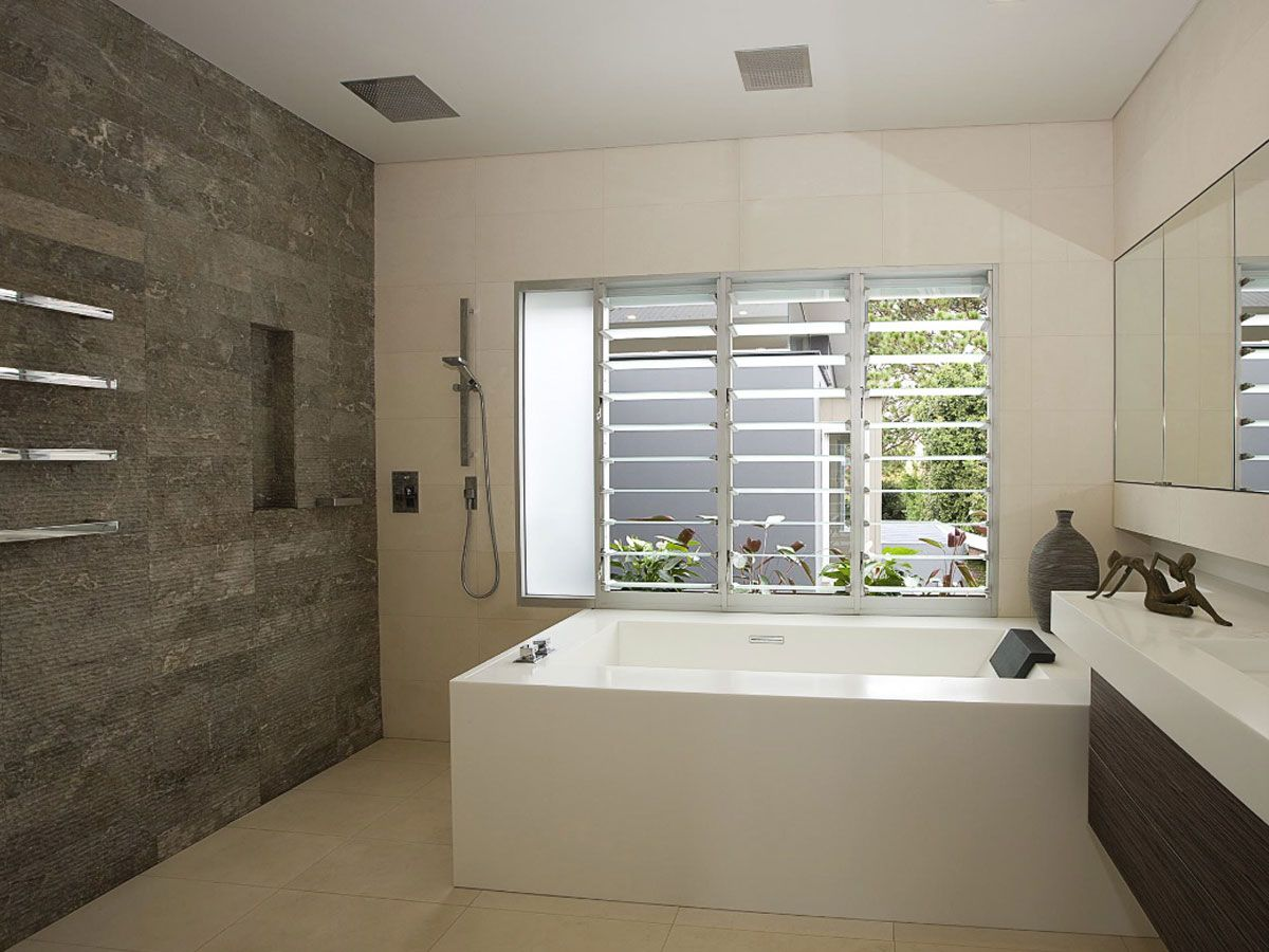 Feature wall bathroom google search small bathroom for Feature wall tile ideas