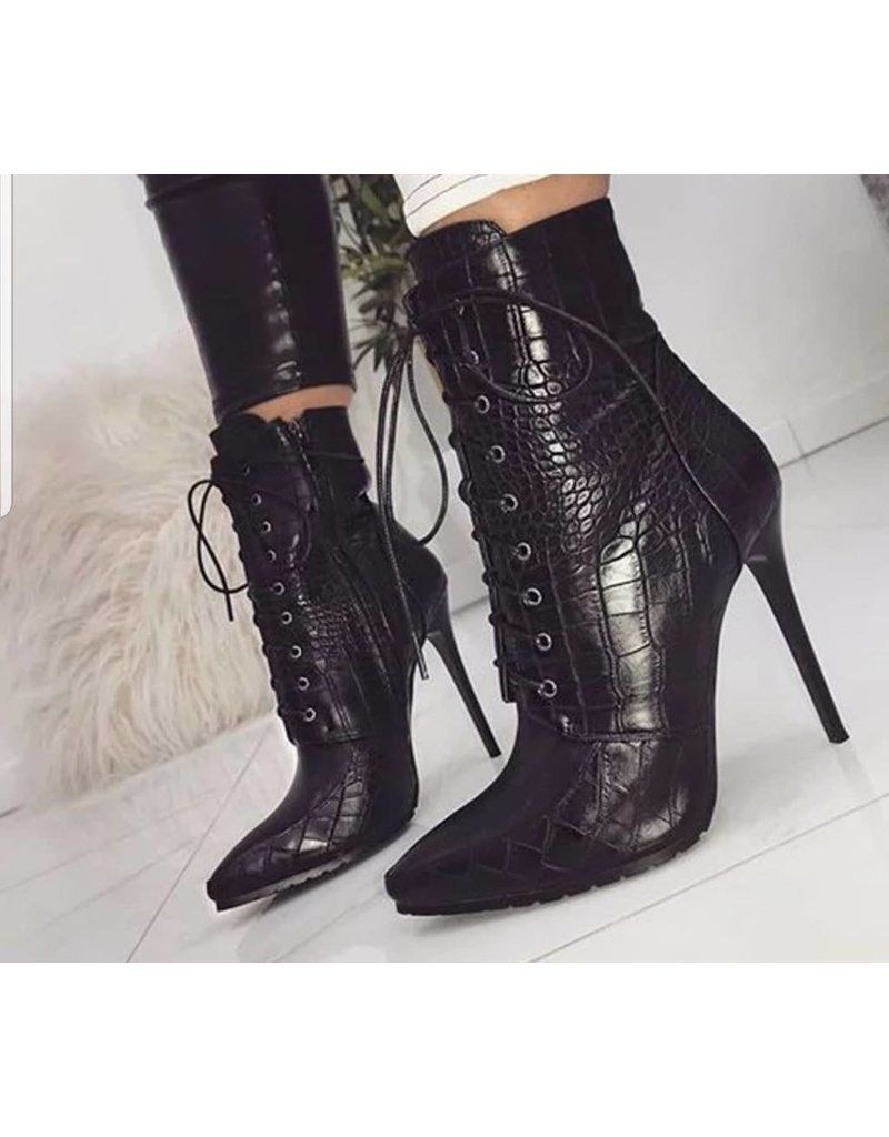 cfda17ce9ecf Leather Snake texture High Heel Boots   BellaNiecele.com