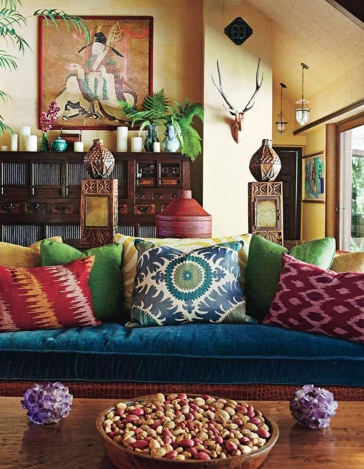Idee Deco Salon Colore Canape Bleu Marine Coussins