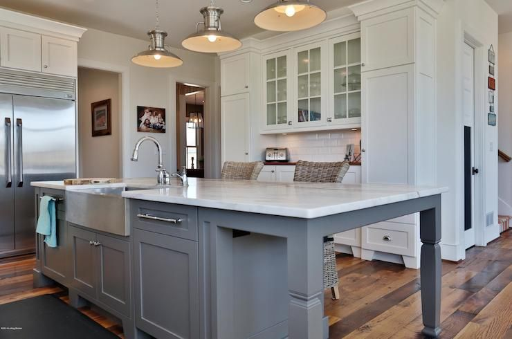 Best Gorgeous White And Gray Kitchen With Shaker Perimeter 400 x 300