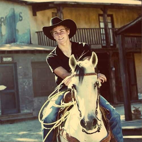Howdy. Im Austin. I Own My Own Farm Outside The City But I