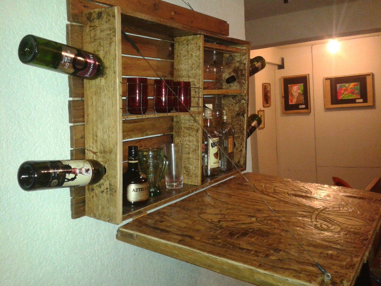 Cantina bar de pared tipo rustica con porta botellas for Bar madera rustica