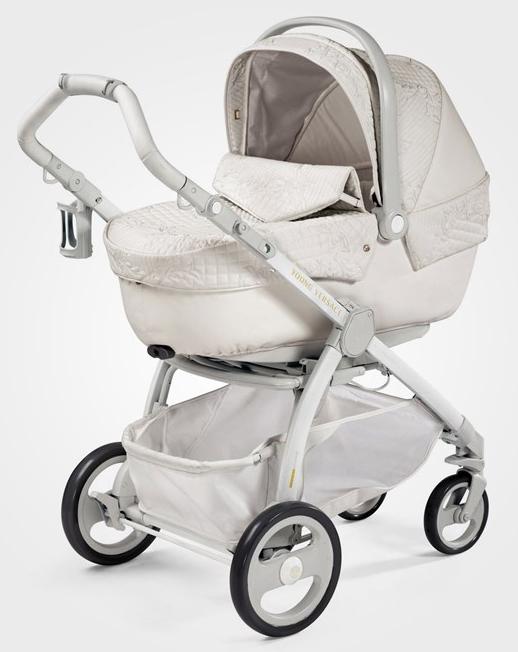 Klart nyblivna GLAM-mamman ska ha en Versace-barnvagn för 37000 kr!   -)   MorsDag c6d549406aa