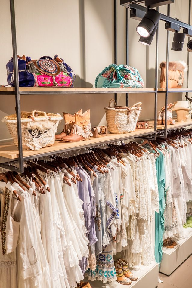 Ferro bcn pilar oporto barcelona colgadores ropa for Colgadores para ropa