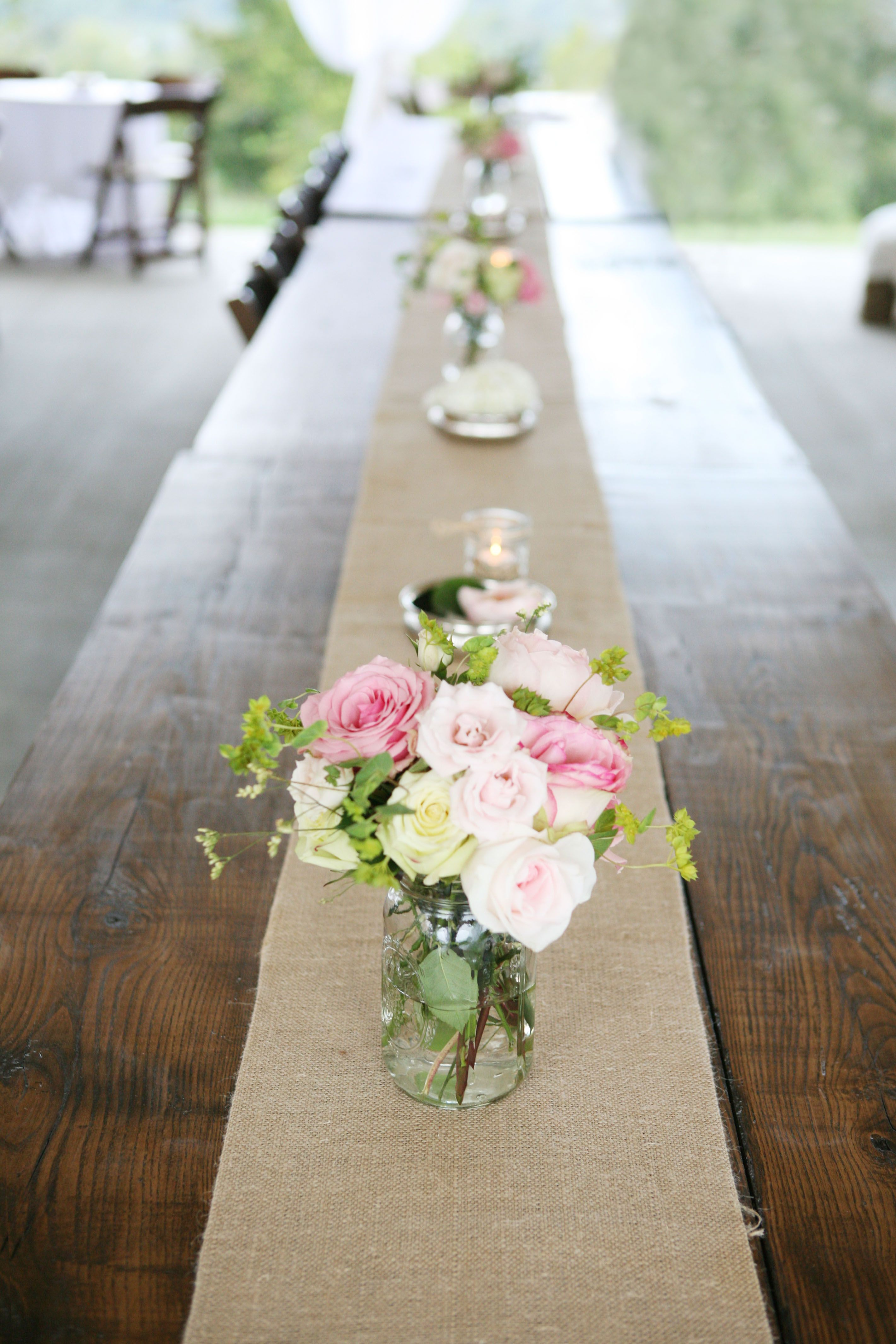 Love the rustic detail of including a burlap runner