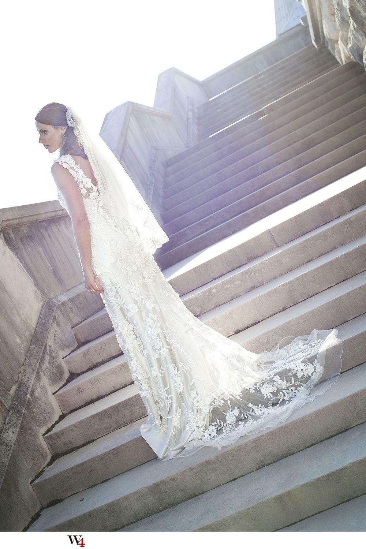Asheville, NC Beautiful bride at Biltmore Estate lace wedding dress ...