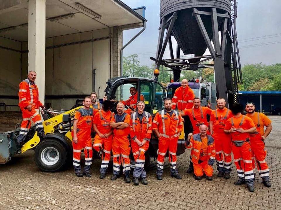 Pfk Inhouse Schulung Jahrliche Unterweisung Fur Baumaschinenbediener Bei Der Awb In Koln Ladungssicherung Gabelstapler Lagertechnik
