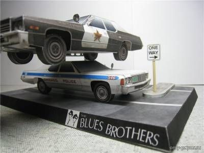 Diorama of the k / f «The Blues Brothers» / The Blues Brothers (1974 Dodge Monaco, 1976 Dodge Monaco)