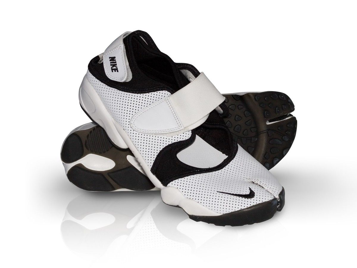 Nike Air Rift. Yes I used to wear these. I took them to the
